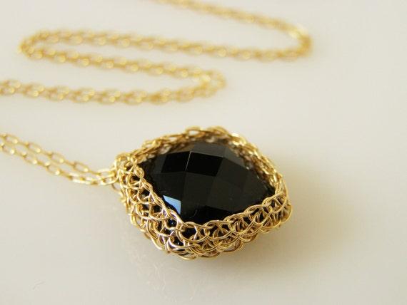 Onyx Pendant, Crochet Goldfilled Wire, Pillow Onyx Necklace, Wire Crochet Jewelry