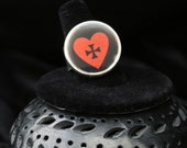 Gothic - My HERO - Brave Heart with Cross Ring - Black and Red