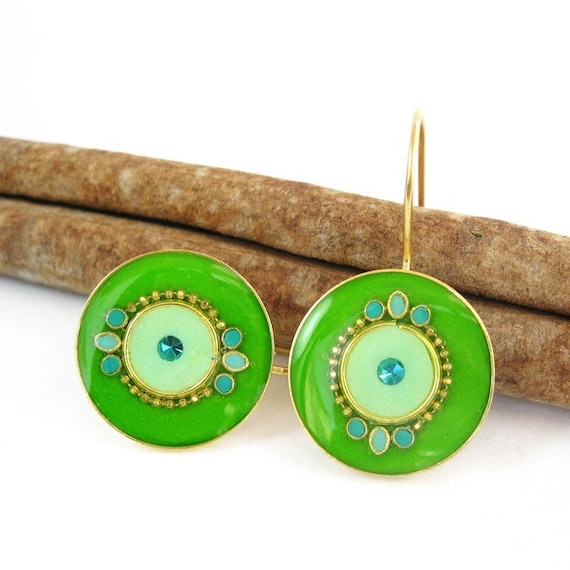 Green earrings - Decorated Round Apple Green color -Gold dangle Earrings