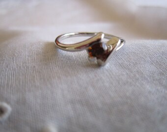 Vintage Silver Tone Ring with One Orange Rhinestone