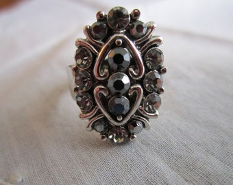 Vintage Silver Tone Oval Ring with Marcasites and Dark Rhinestones