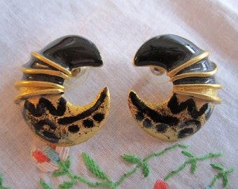 Vintage Gold Tone Crescent Moon Shape Black and Gold Pierced Earrings