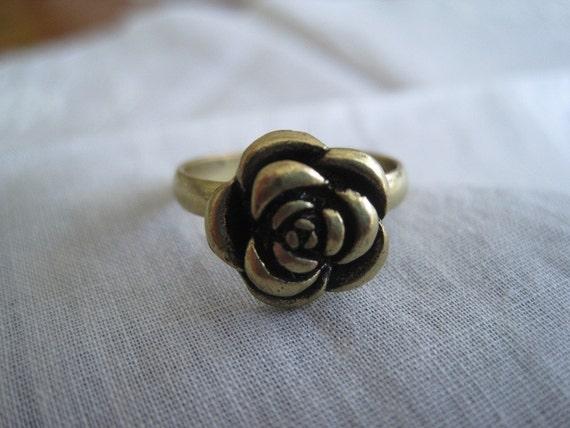 Vintage Gold Tone Expandable Rose Ring