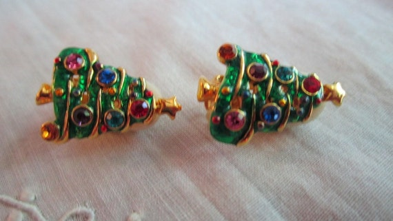 Vintage Gold Tone Christmas Tree with Multi-Colored Rhinestones Clip On Earrings