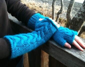 Bella Fingerless Gloves in Turquoise