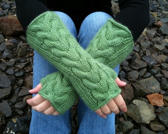 Bella Fingerless Gloves in Spring
