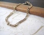 sale SALE sale STEVIE vintage linked charm bracelet (gold)