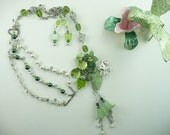 Pretty Green Lucite Flower Necklace