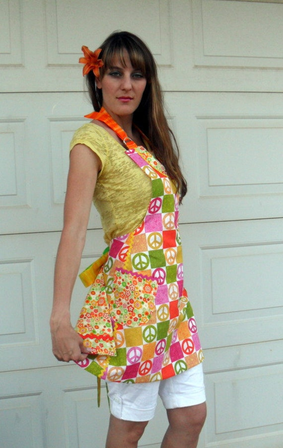 Retro Reversible Full Apron in Bright 70s Colors and Peace Signs