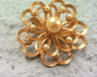 Vintage 1960s Coro pearl flower brooch-Free shipping in the US
