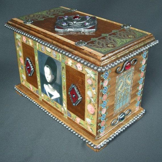 Decoupage Medieval Box