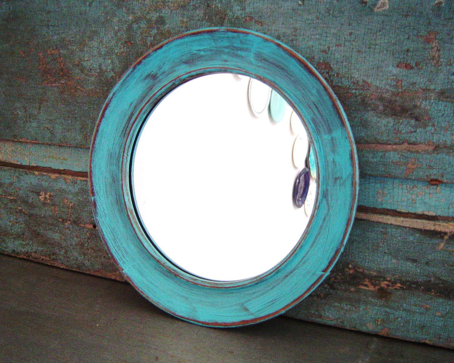 Round mirror wood frame turquoise distressed for Round wood mirror