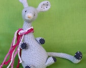 Wriggly Mouse - crochet pattern