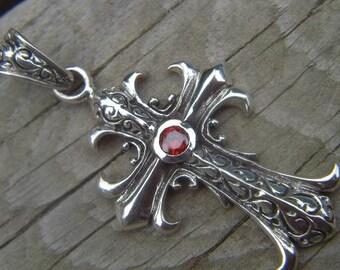 medieval cross pendant in sterling silver 925