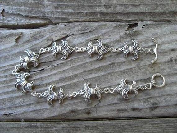"Medieval ""Fleur De Lis"" bracelet in sterling silver"