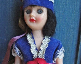 Vintage Dolls of the World Gas Station Giveaway GREECE