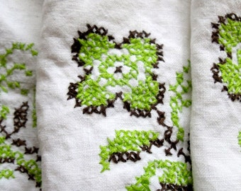 Vintage Embroidered Linen Napkin Cross Stitch Flower Set of Four