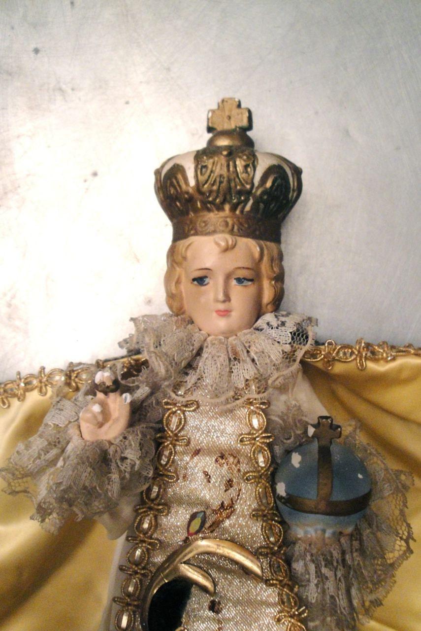 Vintage Infant Of Prague Baby Jesus Religious Statue Velvet
