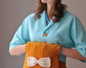 MANGO PARTY - 1940's crocheted muff handbag with bow