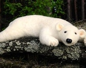 Felted wool polar bear - BinneBear gift - Handmade work