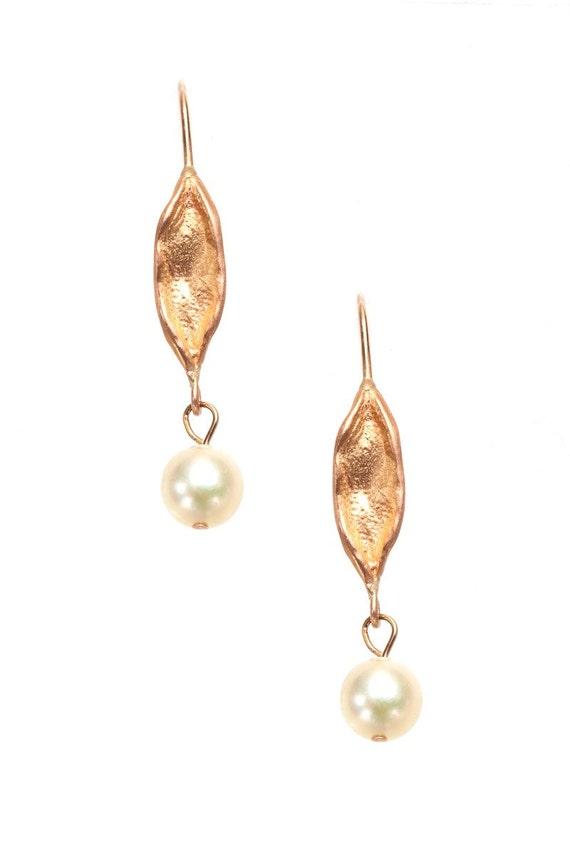 18K rose gold earrings with japanese akoya pearls - leaf motif