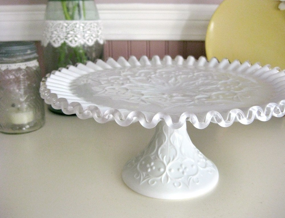 Lace Edge Cake Stand