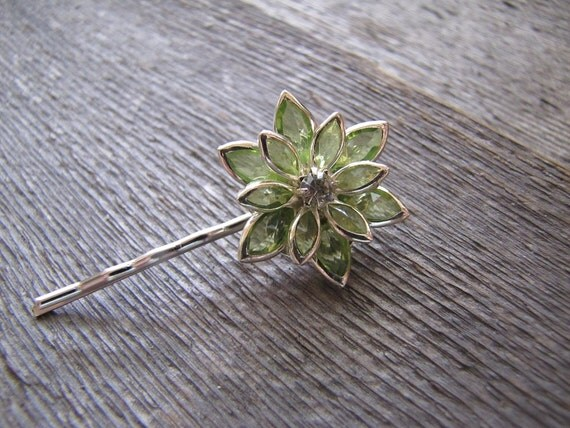 Meadow - single bobby pin in green