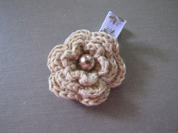 Penelope - tan crochet flower clip
