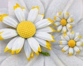 Enamel Daisy Brooch Demi Set Yellow & White Spring Flowers Pin Vintage Jewelry