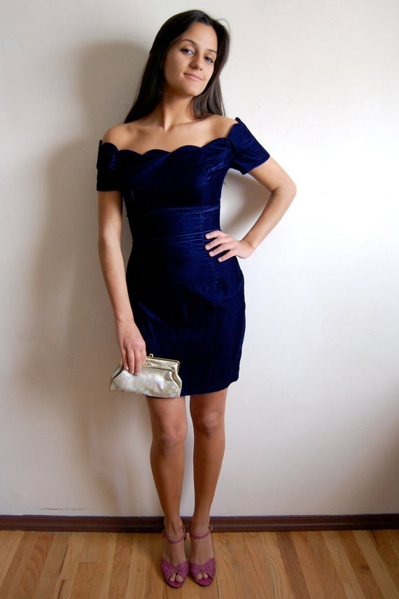reserved // Vintage Velvet Dress - Navy Blue Wiggle Dress with Scalloped Neckline - Roberta - Size X-Small/Small