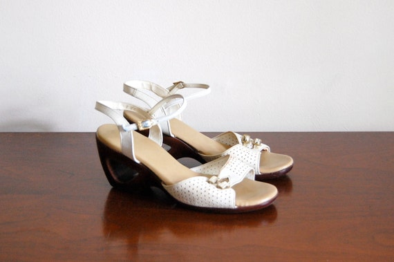 reserved // Vintage Wedges - Cut-Out Wedge Shoes - Size 8.5