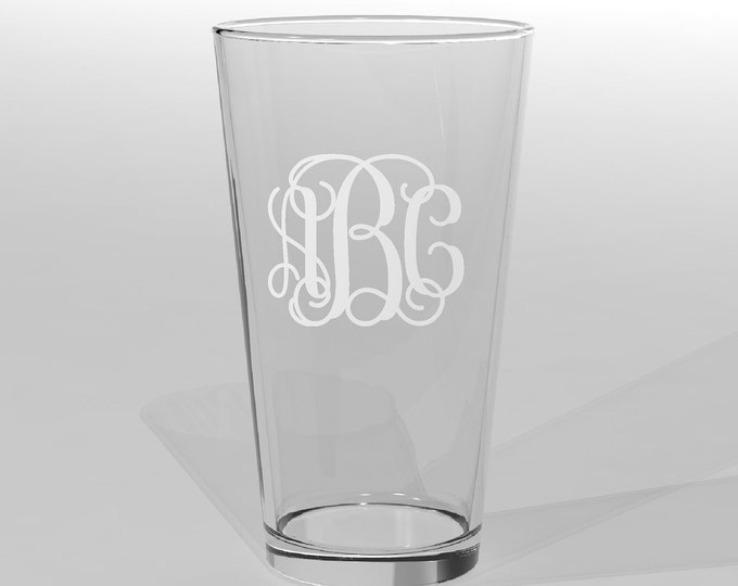 4 Personalized Groomsman Pint Glasses Vine Monogram Custom Engraved.