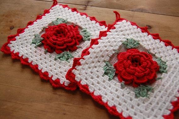 Vintage Kitchen Potholders - White & Red Rose - 1950s