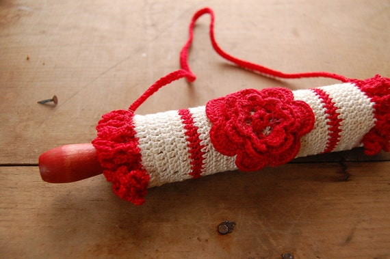Vintage Hand Crocheted Childs Covered Rolling Pin -  Red Rose & Cream -Vintage 1950s- Cotton
