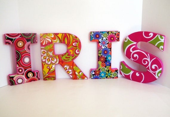 KIDSu0027 LOVE LETTERS personalized decorative wall art in Groovy Girls style
