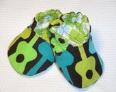 Reversible Crib Shoes, Groovy Guitars, Size Newborn to 12 Months