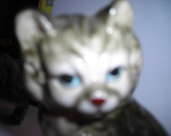 vintage gray black fluffy cat sitting figurine nice glaze blue eyes