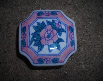 vintage trinket box china pink roses Chinese