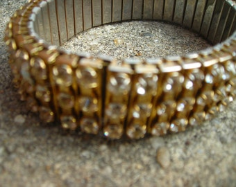 vintage bracelet gold tone stretch rhinestone prong set