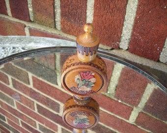 Snuff bottle wood