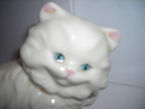 vintage ceramic white cat blue eyes fluffy