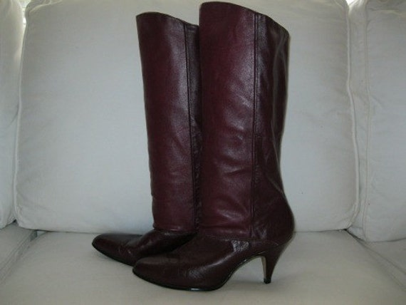 Gorgeous wine leather tall two-toned slouch boots 8