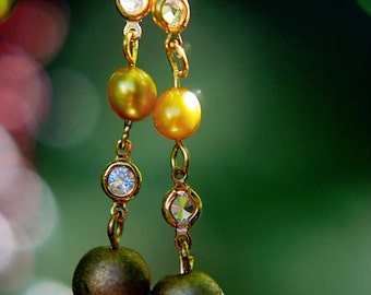 Earrings Gold Cultured Freshwater Pearl, Clear Swarovski Crystal and Wooden Gold Bead