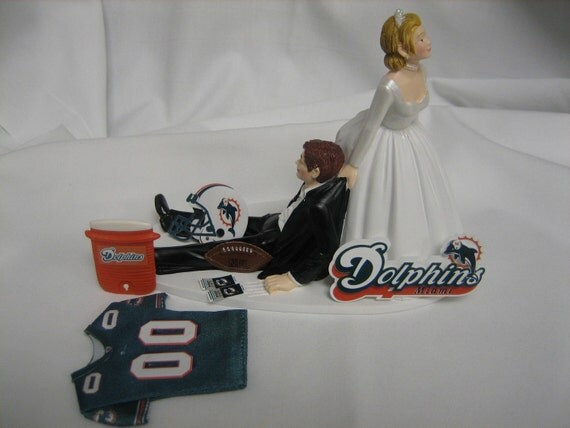 miami dolphin wedding cake toppers miami dolphins wedding cake topper groom by finsnhorns 17330