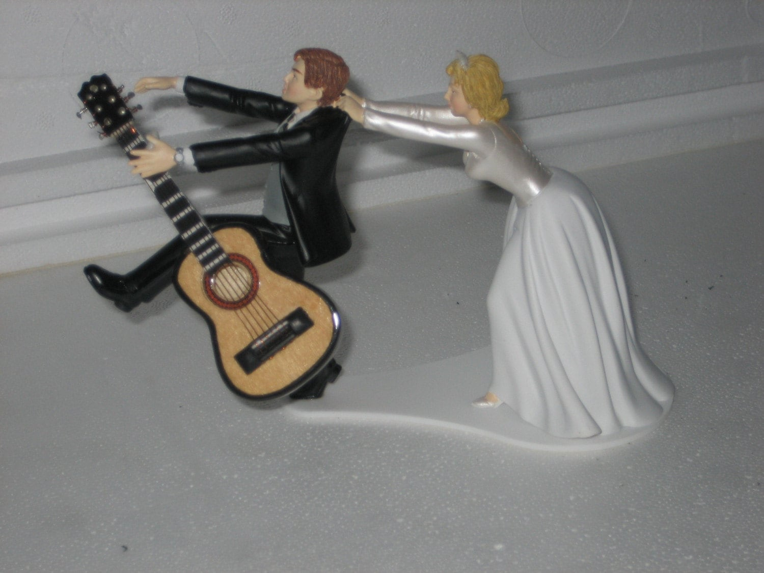 wedding cake topper man with guitar guitar themed wedding cake topper groom acoustic guitar 26352