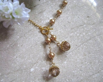 Luxe Acorns Necklace. Gold Brown Bronze Glass Pearls Necklace. Golden Brown Acorn Necklace. Fall Fashion. Autumn Jewelry.