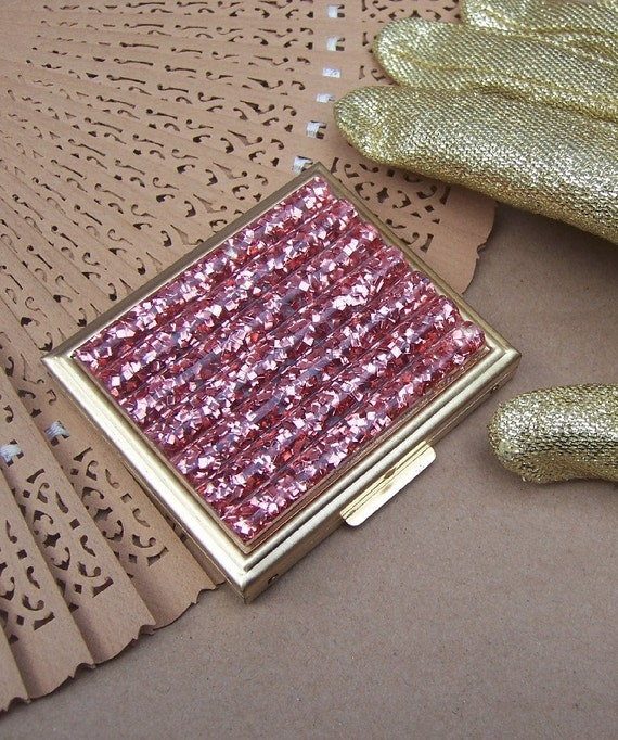 Vintage powder compact pink confetti lucite unused 1960s (AK)