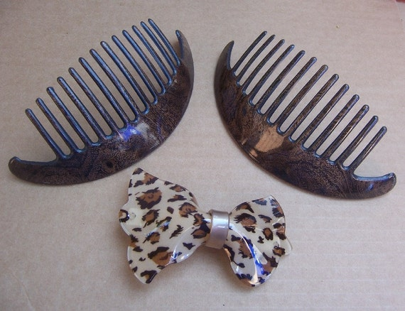 Vintage hair combs 3 animal skin theme hair accessories (J)