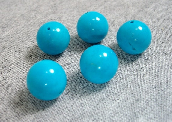 Turquoise Colored Opaque Glass Round Beads 12mm (5)