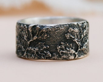 silver ring with a vintage lace pattern - made to order
